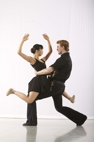 Stephanie Mei Hom and Steven McMahon in Trey McIntyre's In Dreams