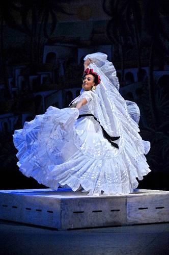 Photo courtesy of Ballet Folklórico de México de Amalia Hernández.