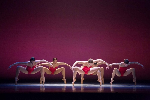 BalletMet dancers in Edwaard Liang's 'Wünderland'.