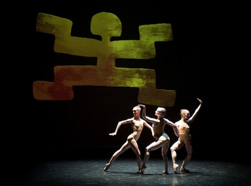 Grand Rapids Ballet dancers in Annabelle Lopez Ochoa's 'Memorias Del Dorado'.