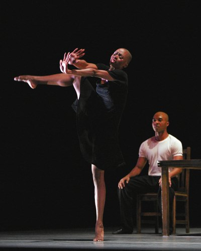 Matthew Rushing and Dwana Adiaha Smallwood in Urban Folk Dance by Ulysses Dove