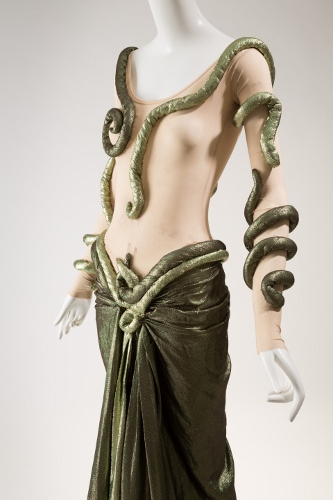 Halston, woman's costume for Tangled Night, 1986, lent by Martha Graham Dance Company. Photograph © The Museum at FIT.