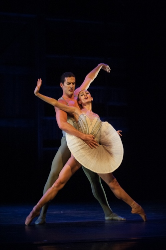 Joffrey Ballet's Victoria Jaiani and Miguel Blanco perform Stanton Welch's 'Son of Chamber Symphony.'