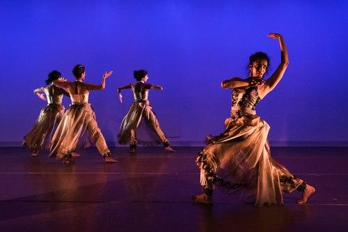 Veiled Moon production by Preeti Vasudevan and Thresh Dance Company<br>Court Dance - Preeti Vasudevan with Deesha Narichania, Nilaya Sabnis and Aditi Dhruv