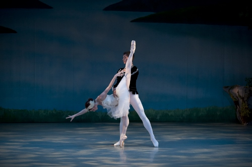 White Swan Pas de Deux - Margaret Andriani and Andrew Copeland.
