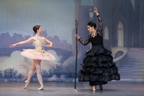 (L to R) Regina Pietraroia as Violente and Melaina Kampf as Carabosse in Olmsted Performing Arts' 'Sleeping Beauty.'