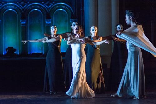 Front &#8211; Soledad Barrio as Antigona, Ray F. Davis God of the Underworld <br>Behind &#8211; Elisabet Torres, Xianix Barrera, Marina Elana, Laura Peralta