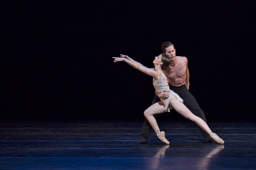 BalletMet's Caitlin Valentine-Ellis and Gabriel Gaffney Smith in Edwaard Liang's 'Distant Cries.'