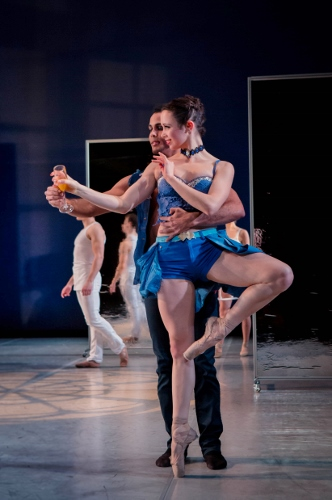 Grand Rapids Ballet dancers Ednis Gomez and Connie Flachs in Annabelle Lopez Ochoa's 'Dangerous Liaisons.'