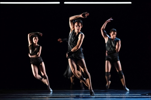 "San Francisco Ballet dancers in Liam Scarlett's ""Fearful Symmetries."""