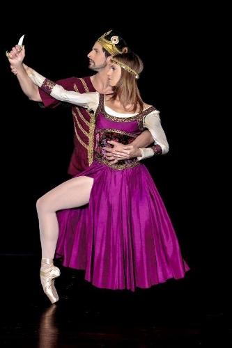 Martin Harvey as Macbeth and Mary Beth Hansohn as Lady Macbeth in Dances Patrelle's 'Macbeth.'