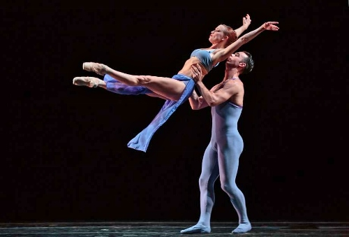 Smuin Contemporary American Ballet in Stanton Welch's 'Indigo.'
