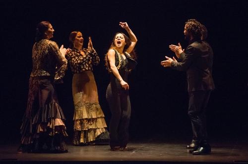 Olga Pericet (center) with Hermonia Borja, Tacha Gonzalez, Miguel Ortega (behind) and Miguel Levi.