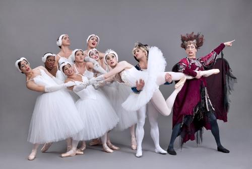 Les Ballets Trockadero de Monte Carlo in SWAN LAKE.