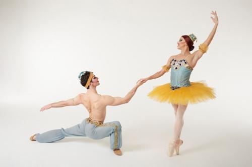 Les Ballets Trockadero de Monte Carlo's Carlos Hopuy and Laszlo Major in LE CORSAIRE PAS DE DEUX
