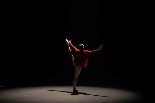 Peridance in 'Dia-Mono-Logues' choreographed by Igal Perry.