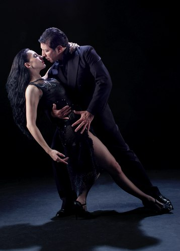 Miguel Angel Zotto and Romina Godoy of Tango x 2 perform 'Su Historia'