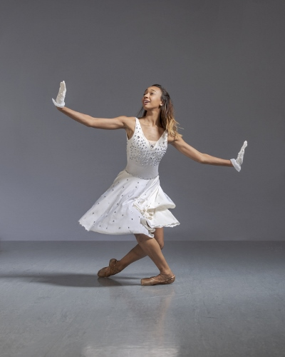 Neos Dance Theatre's Kassandra Lee as Marie in the '1940's Nutcracker.'