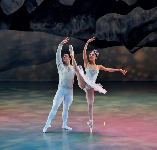 Yoshiko Kamikusa and Chris Lingner as the Snow Queen and Snow King in Act 1 of Indianapolis Ballet's 'The Nutcracker.'