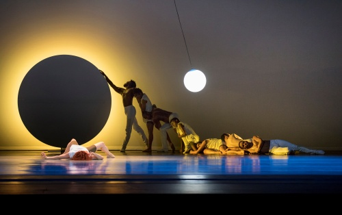 Alvin Ailey American Dance Theater in Jessica Lang's 'EN'.