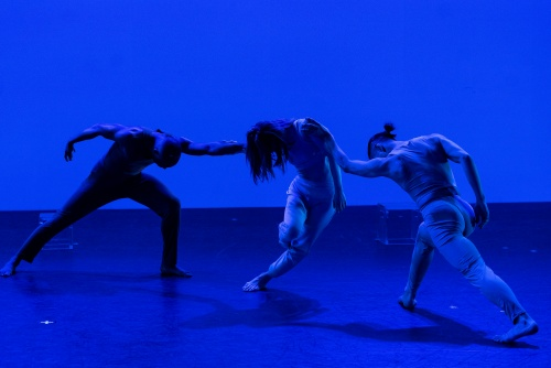 "Jennifer Muller/The Works Seiko Fujita (Center)and dancers in Muller's ""The Theory of Color""."