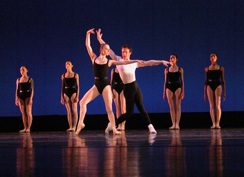 <a href='article.htm?id=1800'>Episodes</a> Choreography: George Balanchine