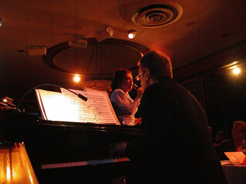 Cristina Fontanelli at Feinstein's at The Regency (Dennis Buck on piano)