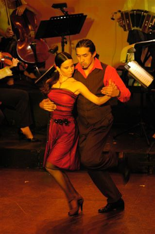 Annatina & Hernan performing for the '4 seasons Tango' at the Thalia Theatre (Fracanapa)