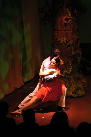Annatina & Hernan performing for the '4 seasons Tango' at the Thalia Theatre (Contraste)