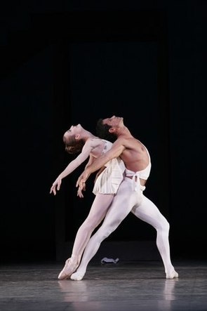 Julie Kent and Jose Manuel Carre&ntilde;o in <i>Apollo</i>.