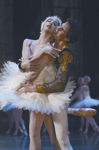 Boston Ballet in Swan Lake Lorna Feijoo and Nelson Madrigal