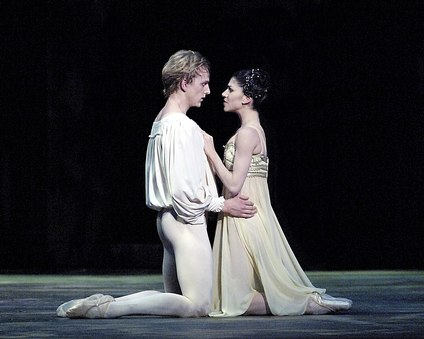Paloma Herrera and David Hallberg in <i>Romeo and Juliet</i>