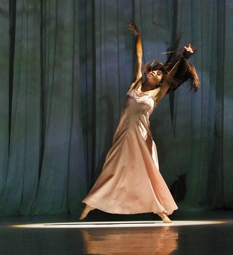Silvia Farias Heredia in her signature solo