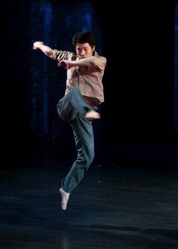 Leo dances