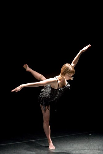 Myriam Gourfink's 'Corbeau' performed by Paris Opera Ballet dancer Gwenaelle Vauthier, for her company LOL