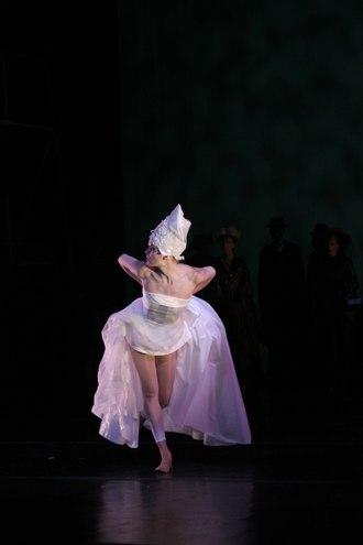Joanne Kotze in Violet Fire
