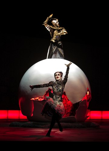 Matthew Morris (Apollo) &amp; Ana Yepes (Dancer) in the Santa Fe Opera's <i>Alceste</i>