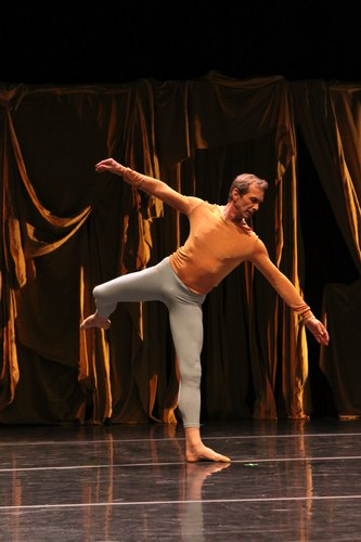 Robert Swinston of the Merce Cunningham Dance Company