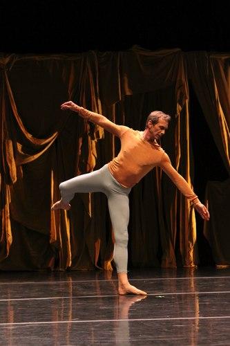Robert Swinston of the Merce Cunningham Dance Company