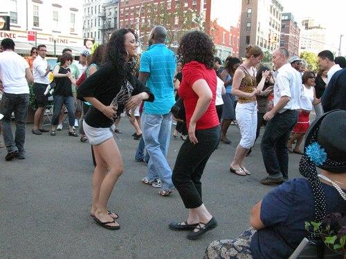 Dancing in pairs