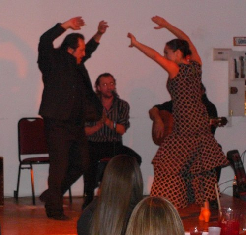 Jorge and Leslie dance a Sevillana